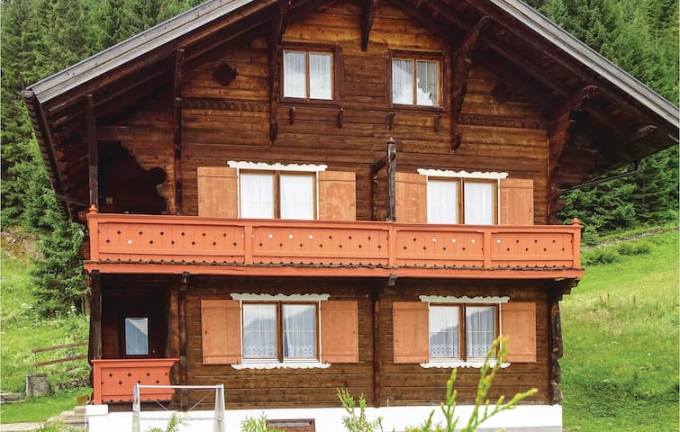 Holiday cottage with 7 bedrooms on 200m² in Gargellen