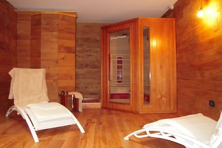 In villa con sauna e palestra - Bardonecchia
