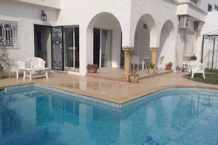 Très belle villa à 3mn de la plage à pied - Yasmine Hammamet