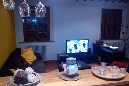 Ampia camera doppia/singola - Wohnung