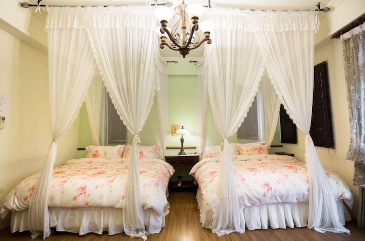 位于七星潭附近的莫内花园四人套房丶从房内阳台即可观看高尔夫球场 - 花蓮縣 - Bed & Breakfast