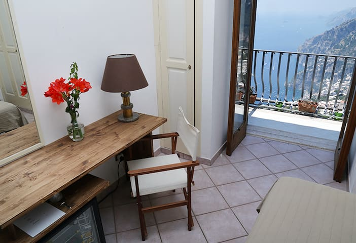 Colle dell'ara B&B Positano room 3