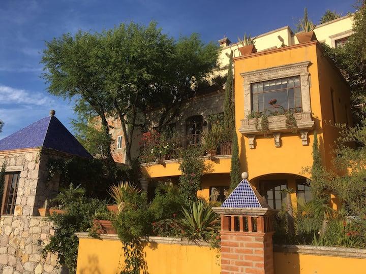 Luxury Hillside Casita with Panoramic Views
