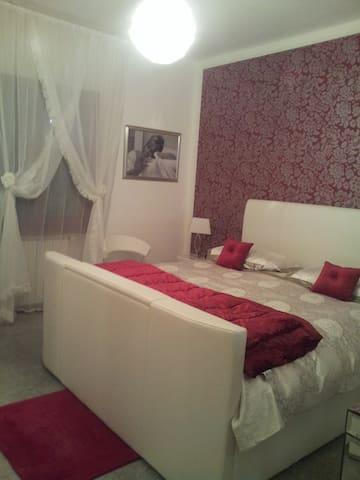 Sardegna suite in villa con piscina - Mores - Villa