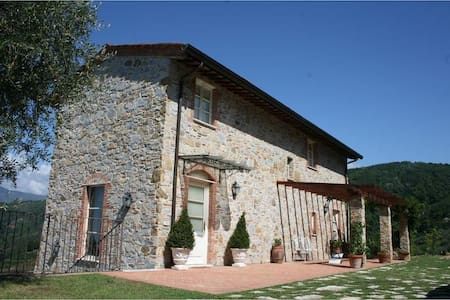 Tipical Tuscanian Villa With Pool - Massarosa
