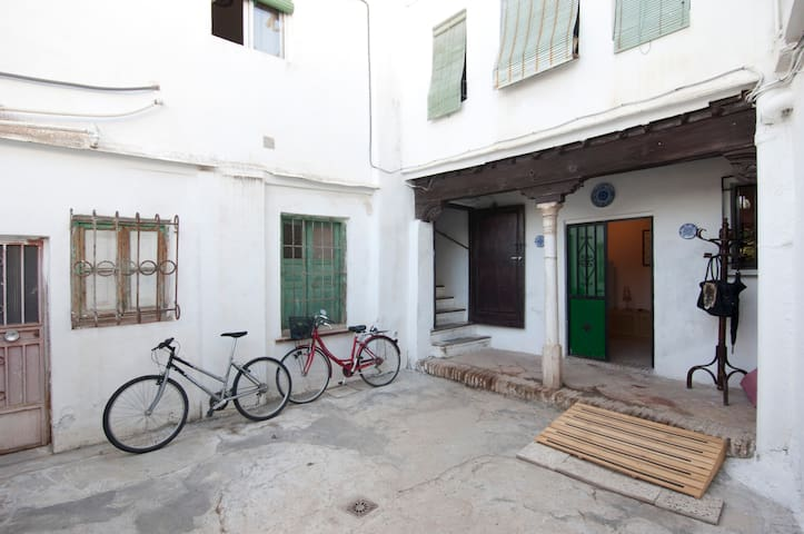 Apartamento-TIPO ESTUDIO DUPLEX,  - Granada - Huoneisto