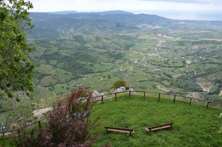 vacanza tra natura e storia, vacanza a Trentinara. - Trentinara - Byt