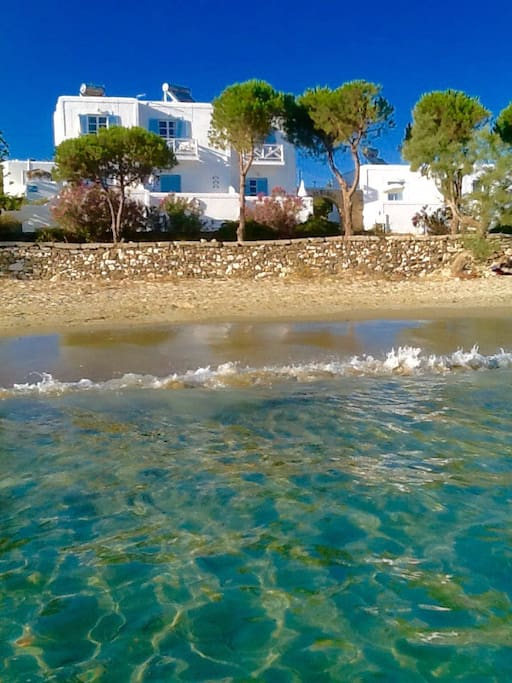 Located directly on gorgeous Krios/Marcello beach!