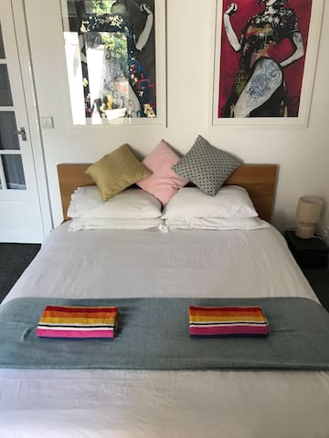 Private ensuite double room with patio