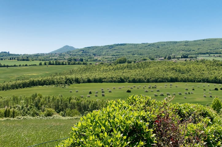 TuscanyLandscape of hills and lakes - Chianciano Terme - Bed & Breakfast