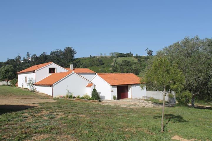 Très Jolie fermette près d'Alcobaça 20mn de Nazaré - Alcobaça - Holiday home