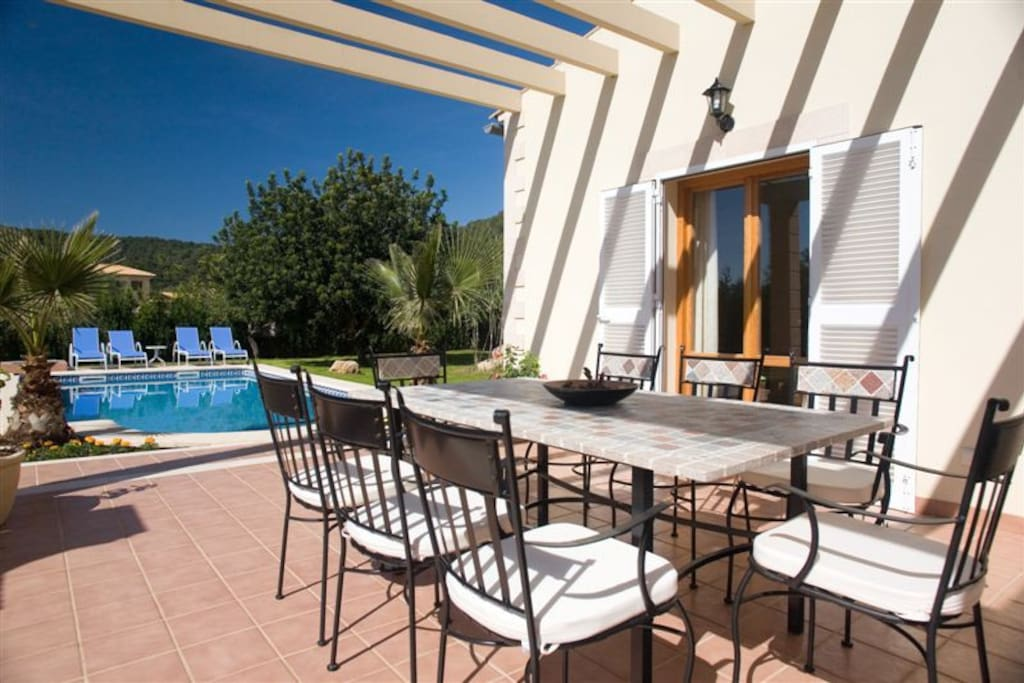 Villa With Pool And Jacuzzi Houses For Rent In Sa Pobla Balearic Islands Spain
