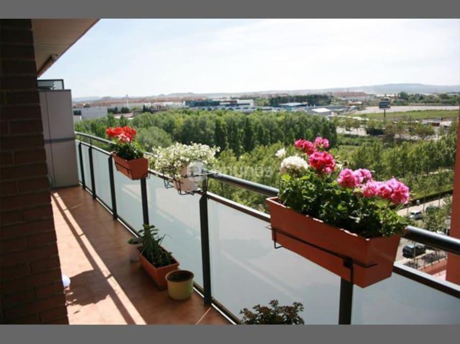 Nuestro Dantástico balcón al que dan todas las habitaciones de la planta baja