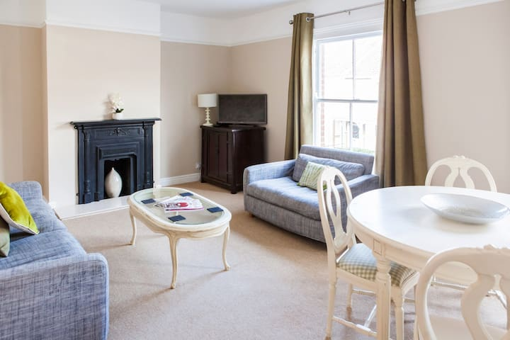 Luxury 2 bed apt. | Spacious | Whitehall Rd - Norwich