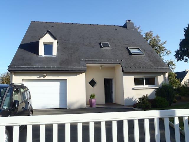 Maison Lumineuse en Bretagne - Saint-Aubin-du-Cormier - House