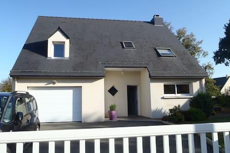 Maison Lumineuse en Bretagne - Saint-Aubin-du-Cormier - 独立屋