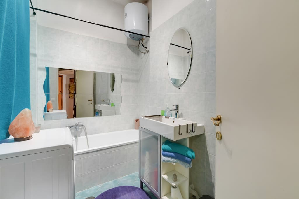 The private bathroom for the guests.