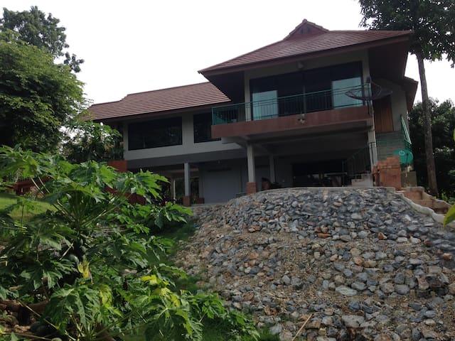River Kwai waterfront villa Kanchanaburi Saiyok
