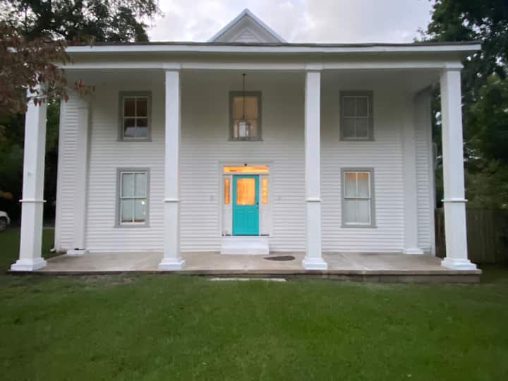 Historic home near charming downtown Zebulon