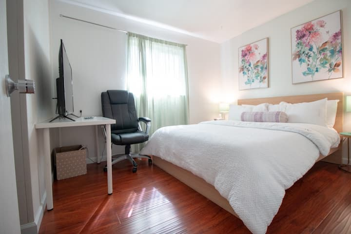 #61/Private Room #61/Bright and clean/Near Apple