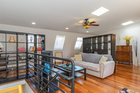 Spacious studio in Federal Hill. - Baltimore