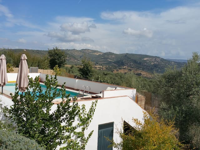 Beautiful Cortijo with Pool in MONTEFRIO, GRANADA - Montefrío - Rumah