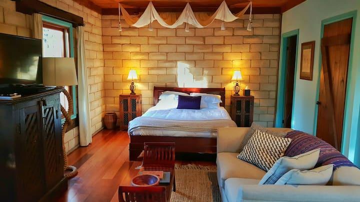 Secret Valley Escape - Romantic Spa Cottage - Sirius