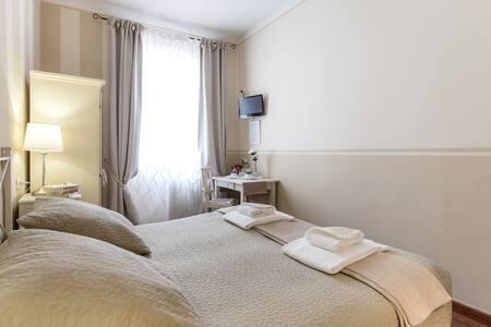 SOGGIORNO PEZZATI DANIELA - Bed and breakfasts for Rent in ...