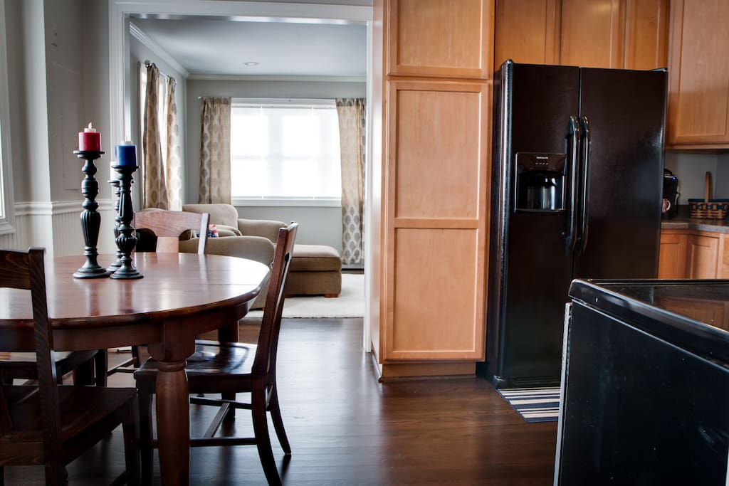 Fully equipped kitchen and space for Dining