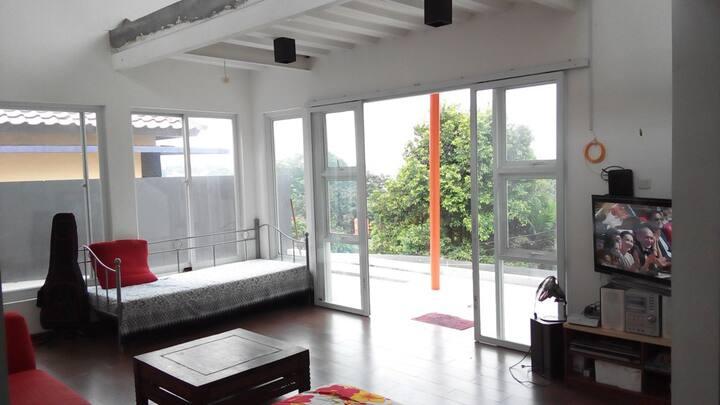 Panoramic House near University INA