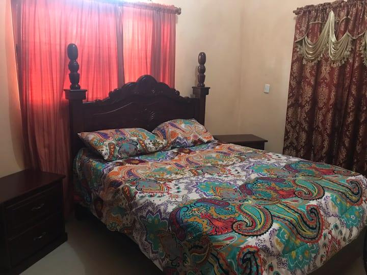 Dormitorio acogedor y cómodo.