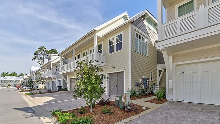 Beautiful Townhouse in Prominence on 30-A