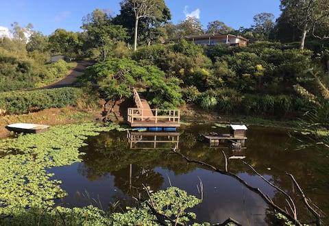 Gorgeous acreage near theme parks (private bath)