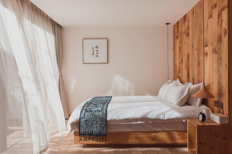 阳光大床房