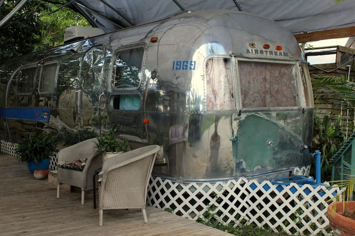 Vintage Airstream near Everglades