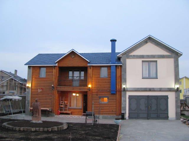 Уютный деревянный дом (есть Сауна!) - Рассказовка - House
