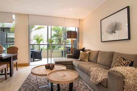 Luxury Romance | 5 to Beach - Casuarina - Wohnung