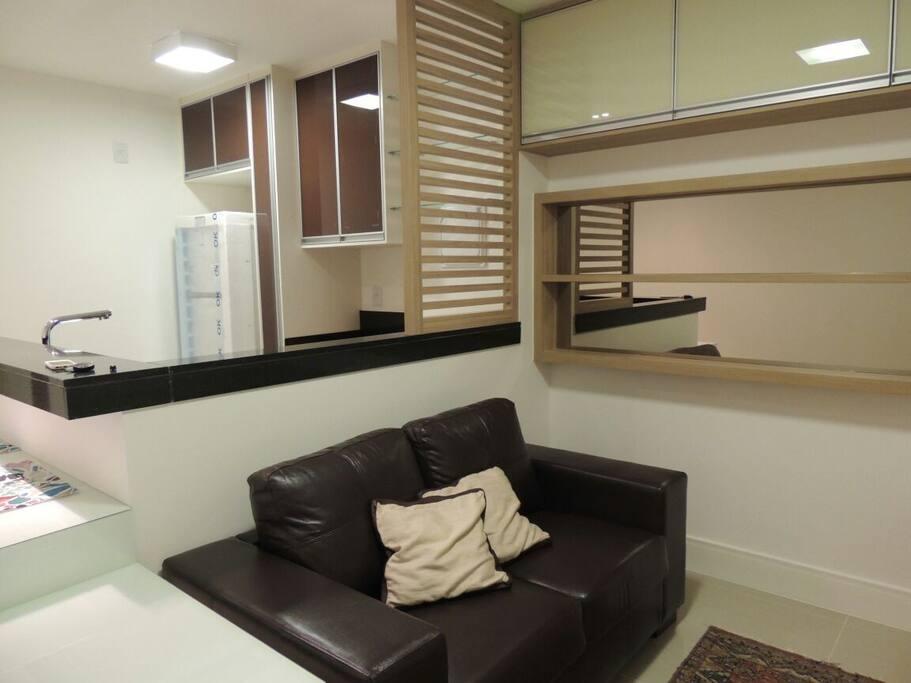 Sala de TV com ar condicionado.