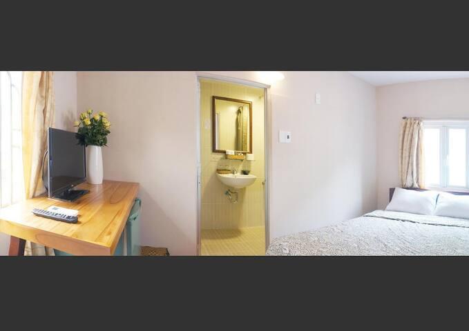 Standard Double Bed Room - Yen's Hotel