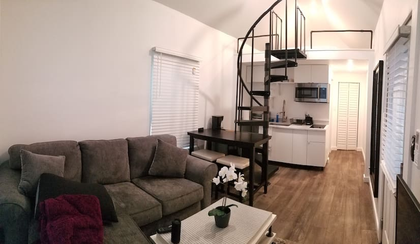 Carriage House - Near Downtown - HydePark