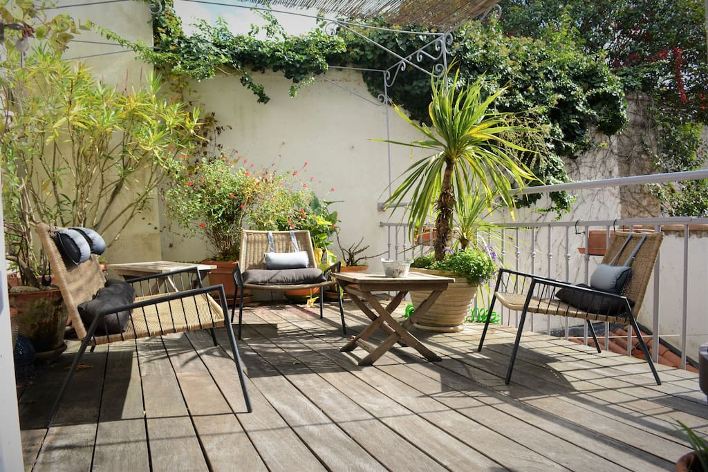 La terrasse commune procure calme et soleil