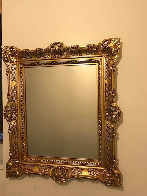 Room mirror