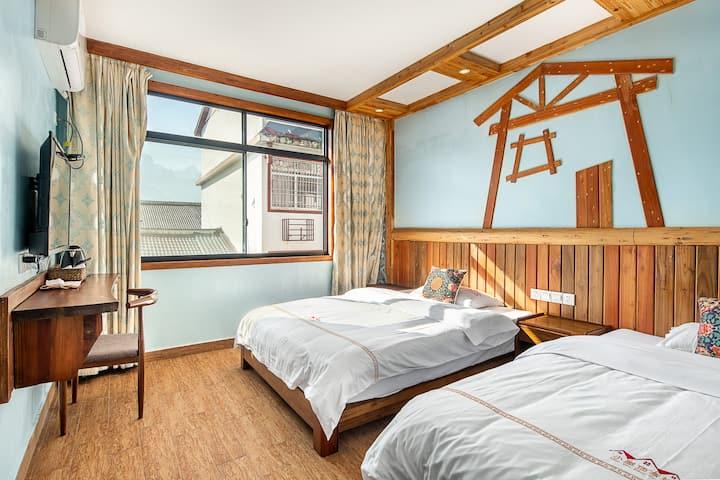 中式风格双床房/靠近张家界天门山索道