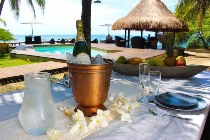 Amazing villa with PVT Beach &Pool in Baru By N.G.