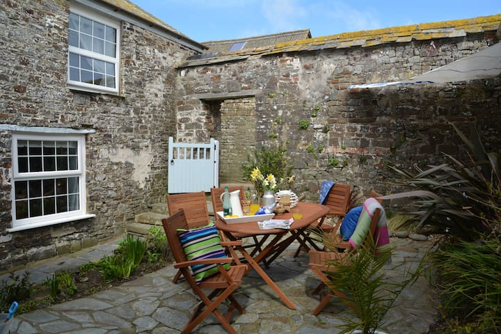Puffin House, Blegberry Farm, Hartland, Sleeps 6 - Hartland - Appartement