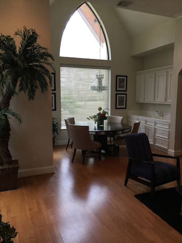 Private 2 Bedroom apartment near The Woodlands