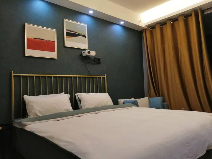 轻奢影音大床房 精装温馨公寓 |贵和|环宇城|宜家|