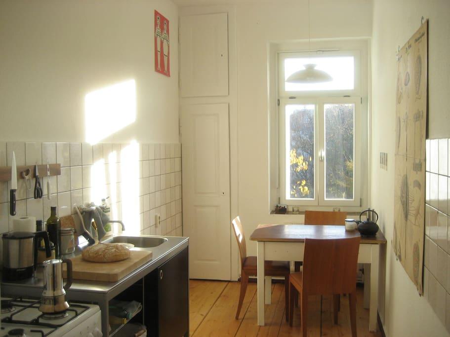 sch nes 18qm zimmer mit 2 betten wohnungen zur miete in leipzig sachsen deutschland. Black Bedroom Furniture Sets. Home Design Ideas