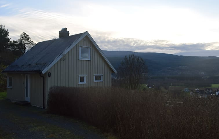 Quiet cottage with beautiful views - Notodden - Rumah