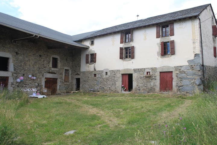 Family farmhouse - Angoustrine-Villeneuve-des-Escaldes - Casa